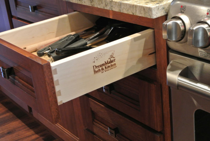 DreamMaker Bath & Kitchen helps remodeling franchise owners buy supplies directly from manufacturers. We also provide strong marketing tools and guidance for franchisees.