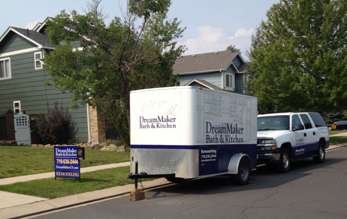 DreamMaker franchisees use strong branding and marketing to win new customers.