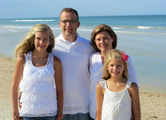 Steve Betts with wife Stephanie, and their daughters.